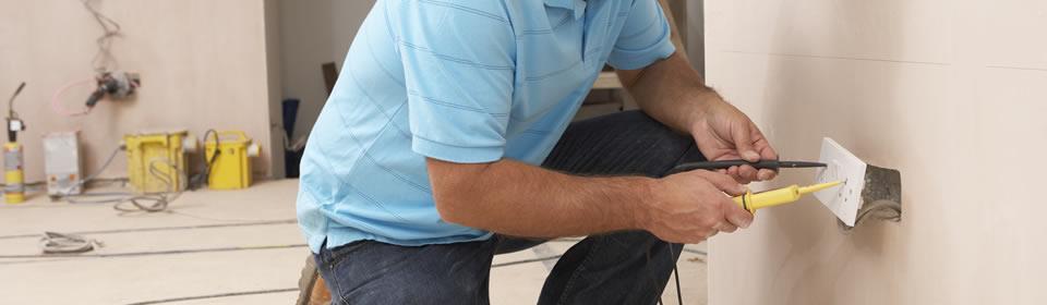 Plaatsen van nieuwe bedrading en stopcontact